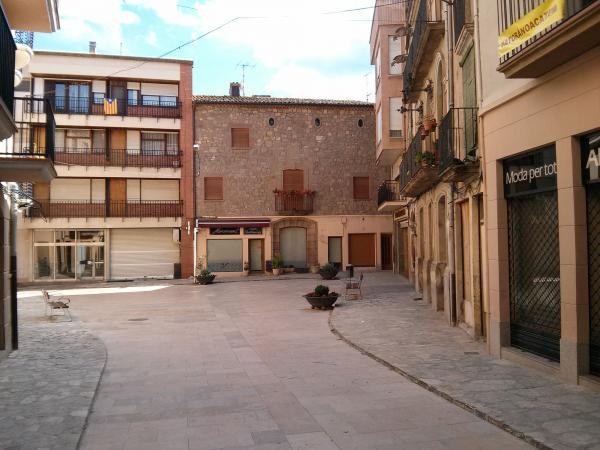 05.06.2013 Plaça del Pati  Torà -  Ramon Sunyer