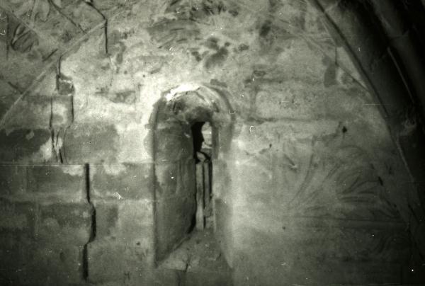 08.08.1988 Detall ocult de l'església de sant Gil  Torà -  Ramon Sunyer