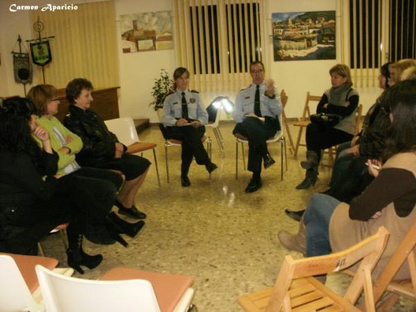 15.09.2013 xerrada amb els mossos d'esquadra  Torà -  Carmen Aparicio