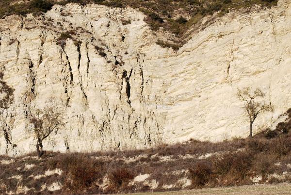 30.12.2013 L'erosió humana  Castellfollit de Riubregós -  Ramon Sunyer