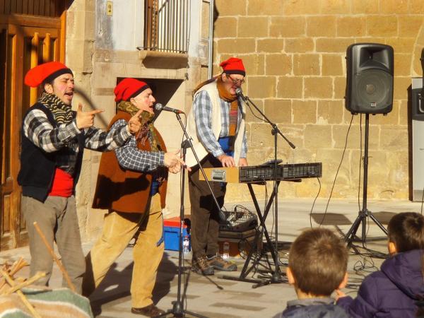26.12.2013 Caga tió amb el grup La Cremallera  Torà -  CC Segarra