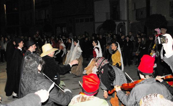 22.02.2014 Dansa del Bonic i la Bonica  Torà -  Josep A. Vilalta
