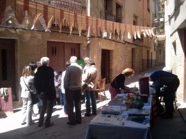 19.04.2014 signatura de llibres  Torà -  Ramon Sunyer