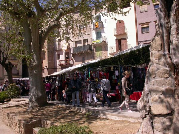 19.04.2014 plaça de la font  Torà -  Ramon Sunyer