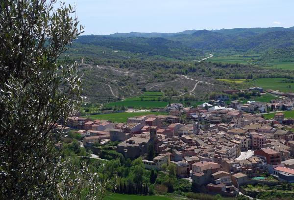 27.04.2014 Vista del poble de Torà  -  Xavi