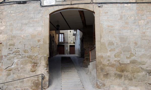 Espacio  Portal de la baixada de Sant Roc - Autor Ramon Sunyer (2015)