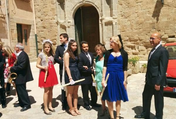 03.05.2015 sortida de l'església  Torà -  Ramon Sunyer