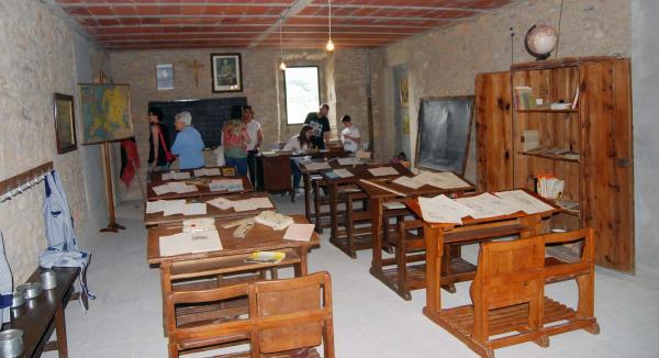 31.05.2015 exposició escola de la postguerra  Pinós -  Ramon Sunyer