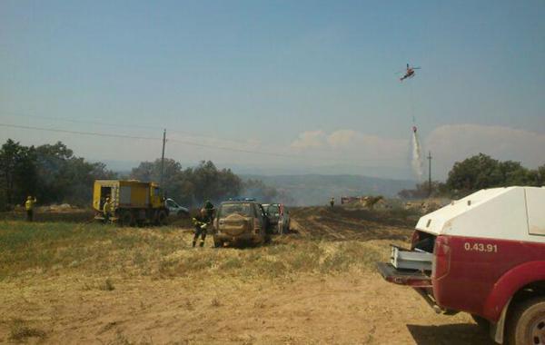 Els mitjans de les ADF segarrenques també han participat en l'extinció de l'incendi forestal - Biosca