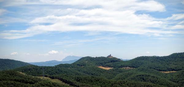 26.07.2015 Vista del castell de Boixadors des de la Molsosa  Boixadors -  Ramon Sunyer