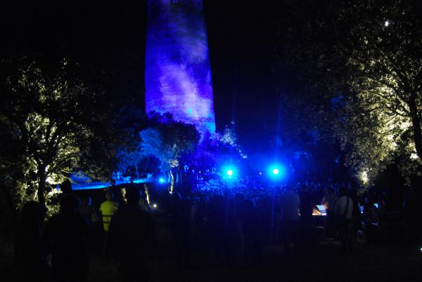 01.07.2015 L'espectacle de colors projectats a la torre  Vallferosa -  Ramon Sunyer