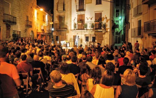 27.08.2015 Els Monòlegs omplen la plaça de l'Hostal  Torà -  Ramon Sunyer