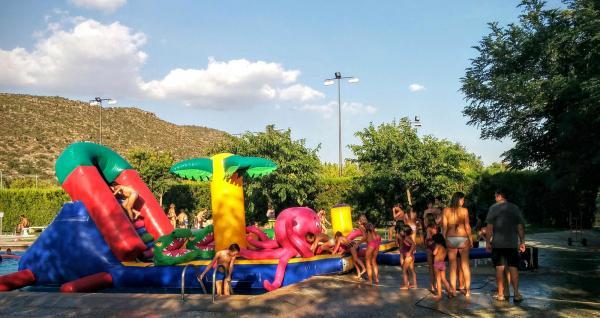 30.08.2015 Festa inflables a les piscines  Torà -  Ramon Sunyer
