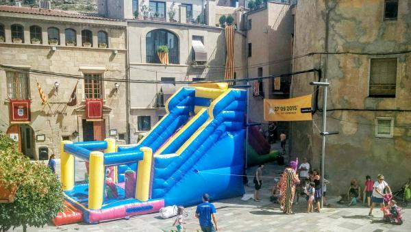 31.08.2015 parc infantil  Torà -  Ramon Sunyer