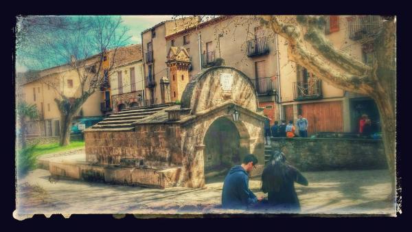 07.04.2015 Plaça de la Font  Torà -  Ramon Sunyer