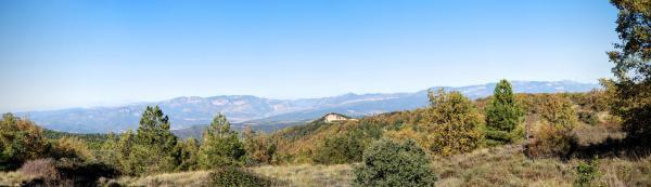 08.11.2015 Vista de les serres d'Aubenç i del Turp  Pinell -  Ramon Sunyer
