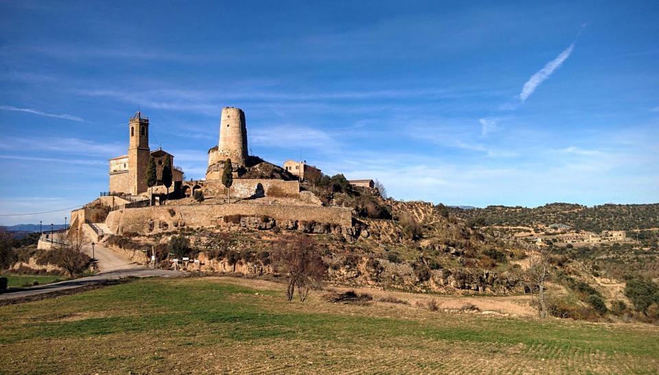 27.12.2015 Vista del poble  Lloberola -  Ramon Sunyer