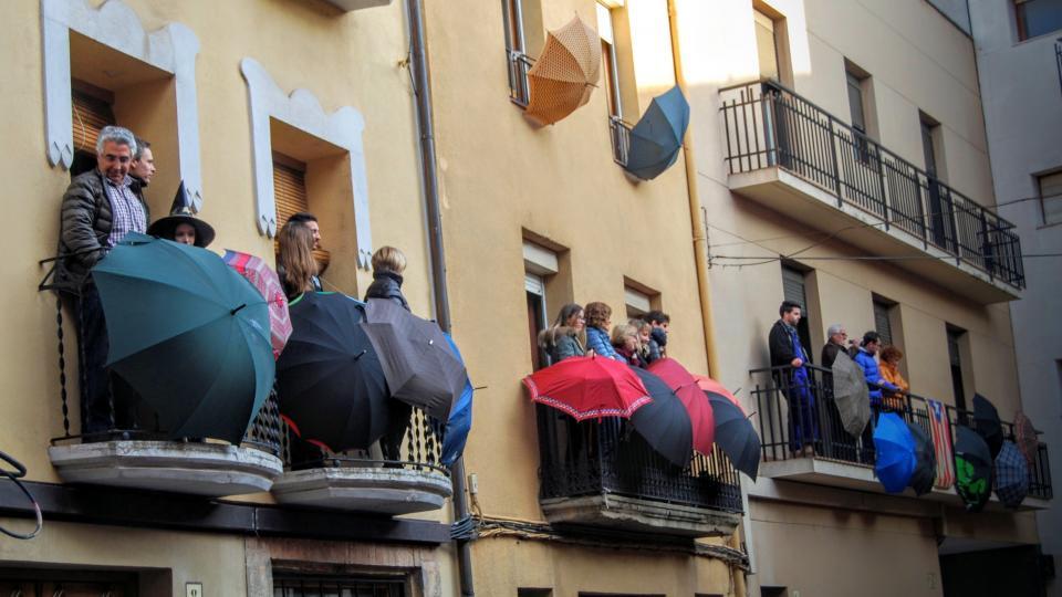 30.01.2016 Públic als balcons  Torà -  Ramon Sunyer