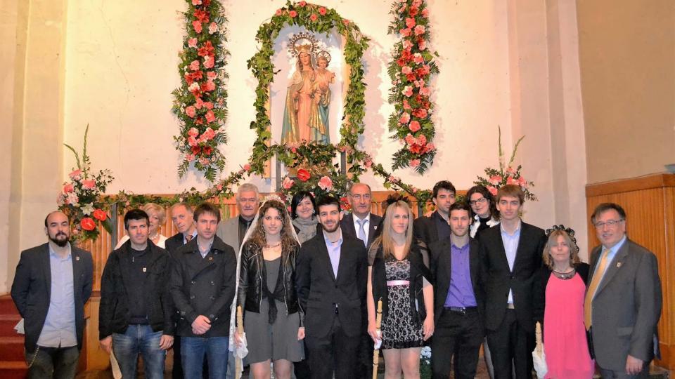 01.05.2016 Autoritats i priors a l'altar del Roser  Torà -  Carles Casals