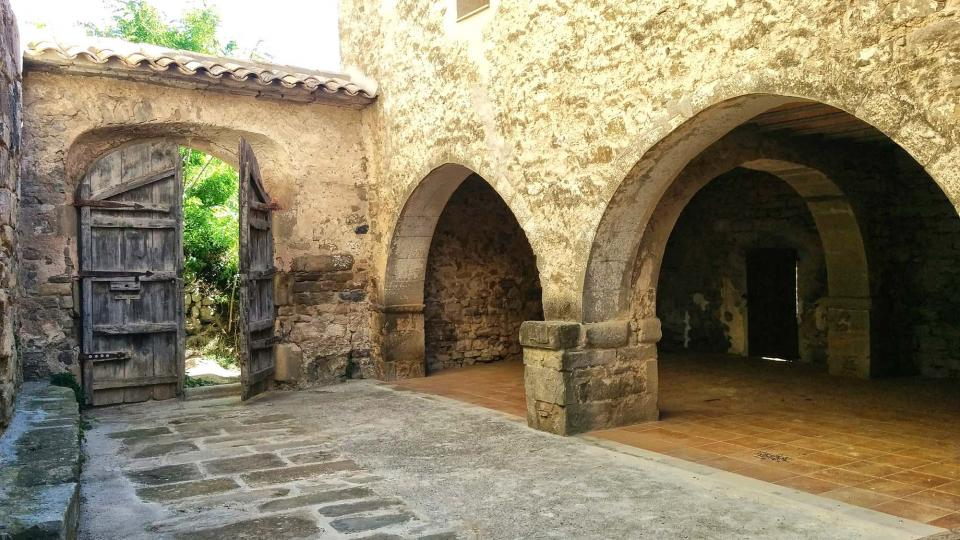 19.06.2016 entrada del monestir  Cellers -  Ramon Sunyer