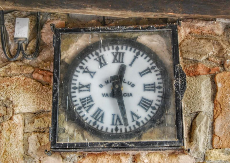22.02.2015 rellotge  Vilanova de l'Aguda -  Ramon Sunyer