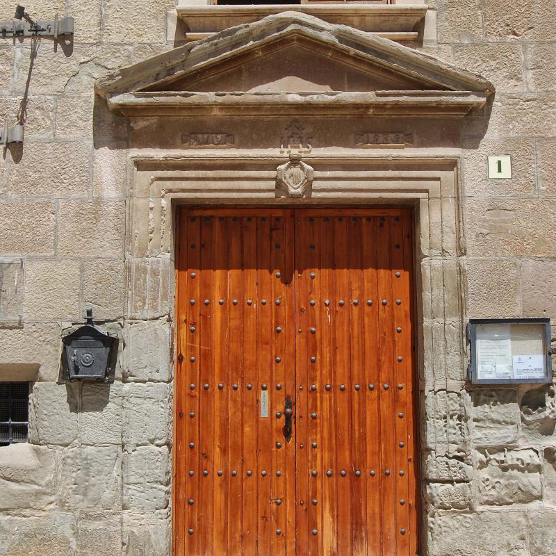 12.08.2016 porta ajuntament  Torà -  Ramon Sunyer