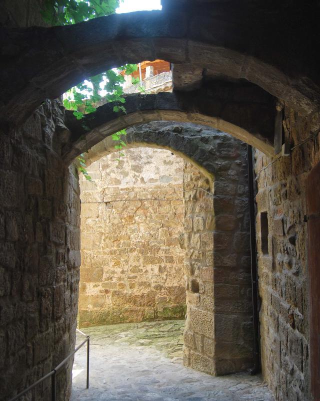 Portail de  La Portelleta - Auteur Ramon Sunyer (2016)