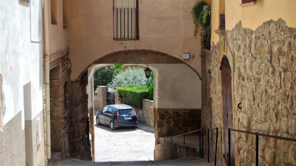 16.08.2016 Portal de la baixada de Sant Roc  Sanaüja -  Ramon Sunyer