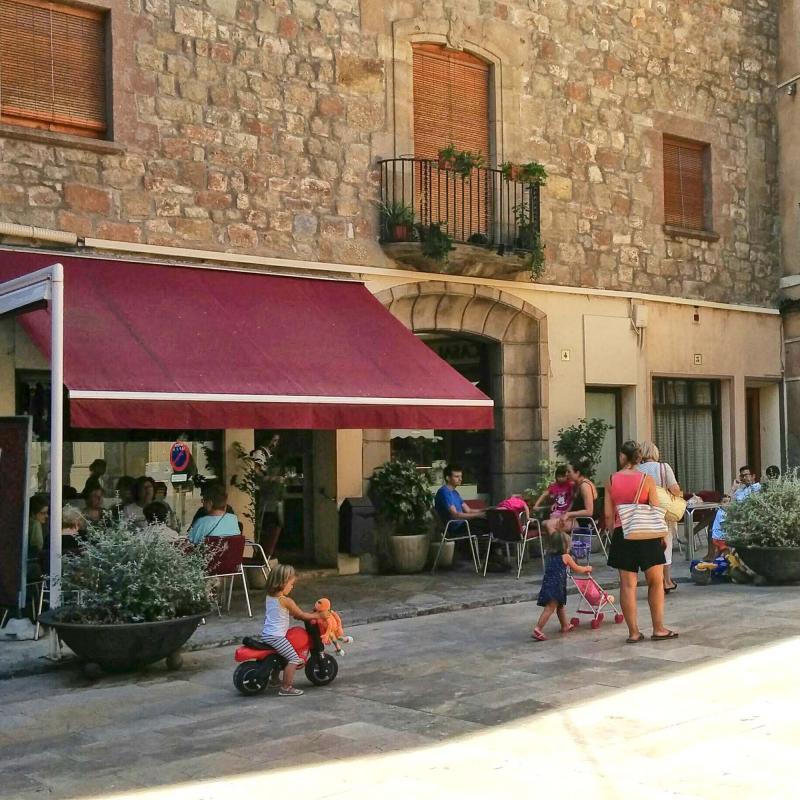19.08.2016 plaça del pati  Torà -  Ramon Sunyer
