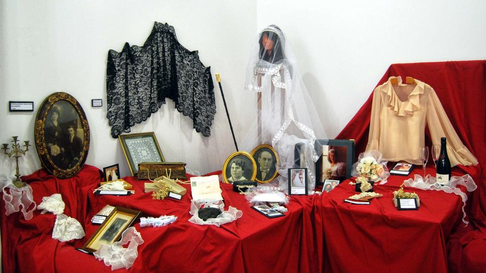 11.09.2016 Exposició de vestits de núvia  Sanaüja -  Ramon Sunyer