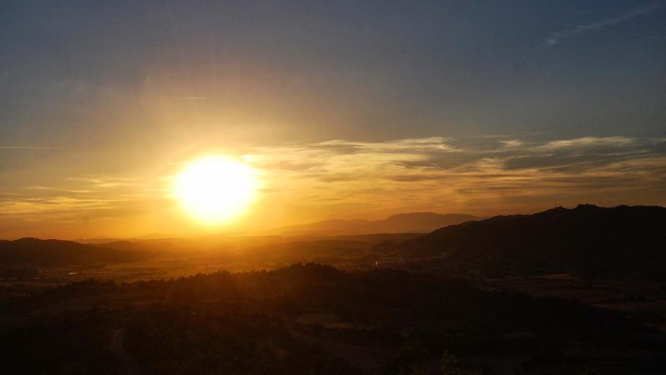 13.08.2016 posta de sol  Torà -  Ramon Sunyer