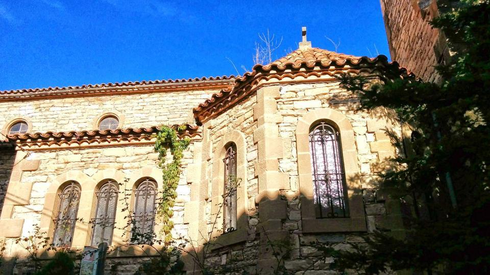 16.11.2014 detall església  Castellfollit de Riubregós -  Ramon Sunyer
