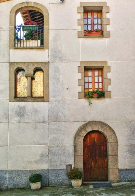 16.11.2014 façana  Castellfollit de Riubregós -  Ramon Sunyer