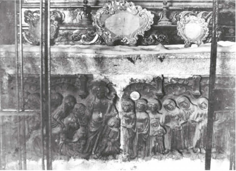 Frontal del sepulcre  emprat com a frontal d'altar de santa Llúcia (vers 1900) Foto: anònim - Torà