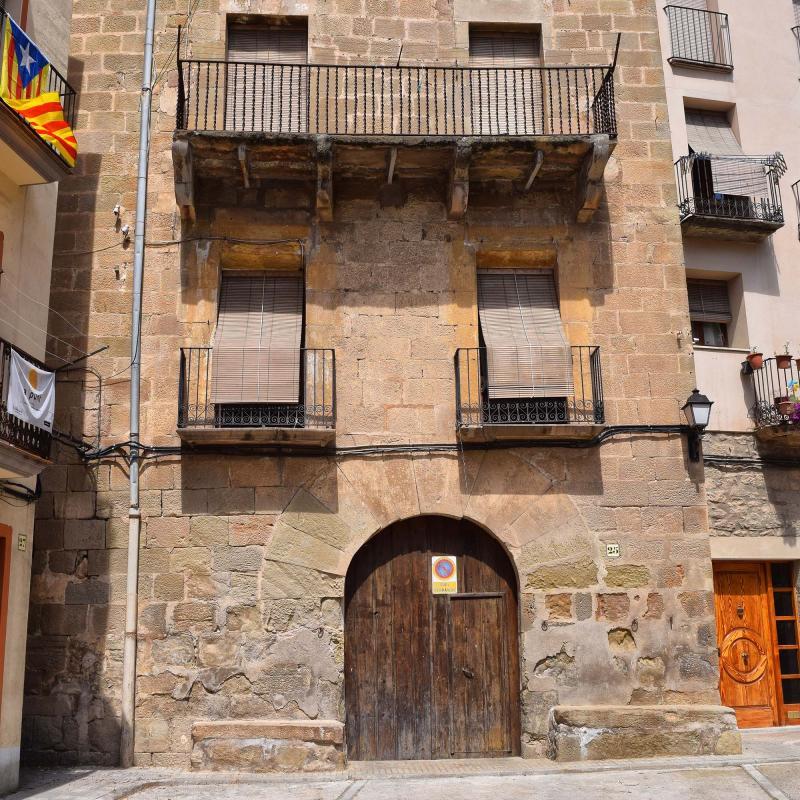 Cal Guatlles -