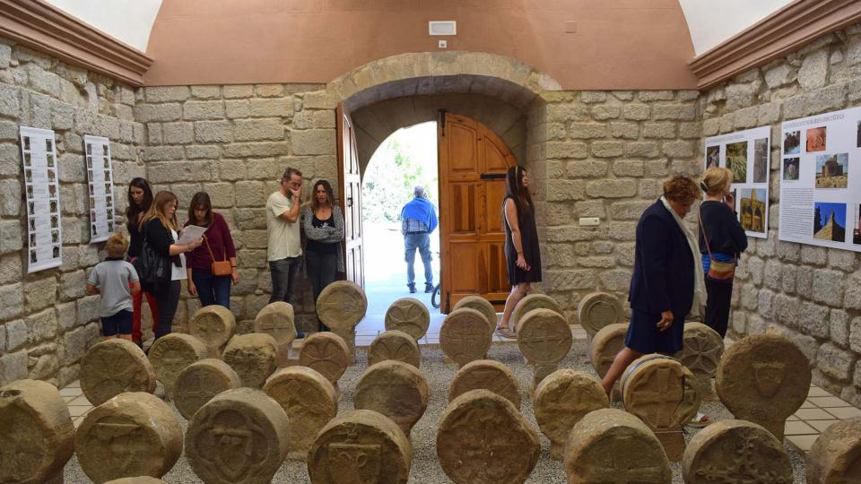 10.09.2017 La a majoria d'esteles funeràries daten dels segles XIV i XV  Sanaüja -  Ramon Sunyer