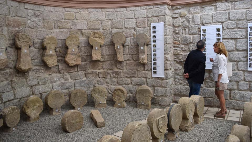 10.09.2017 Esteles funeràries  Sanaüja -  Ramon Sunyer