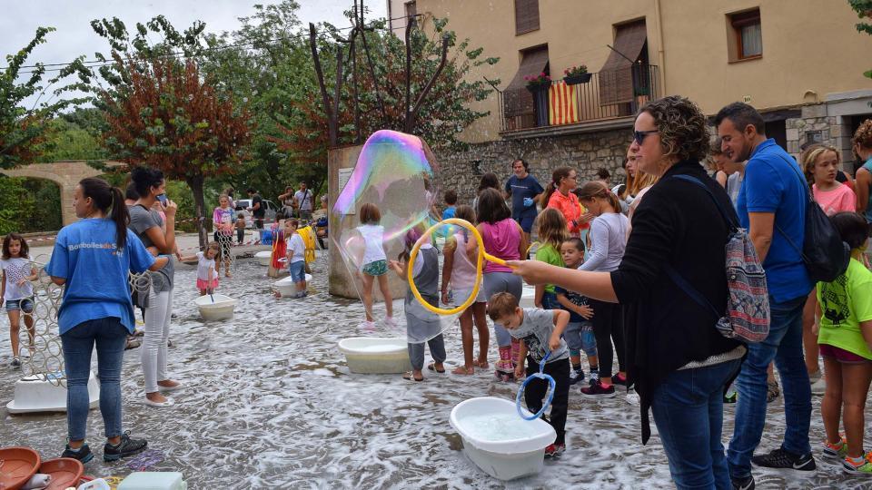 03.09.2017 Festa de les bombolles  Torà -  Ramon Sunyer