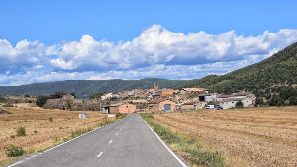 10.08.2017 vista del poble  Vilanova de l'Aguda -  Ramon Sunyer