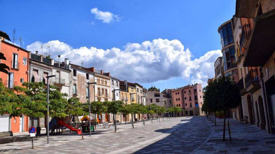 02.09.2018 la plaça del Vall sense cotxes  Torà -  Ramon Sunyer
