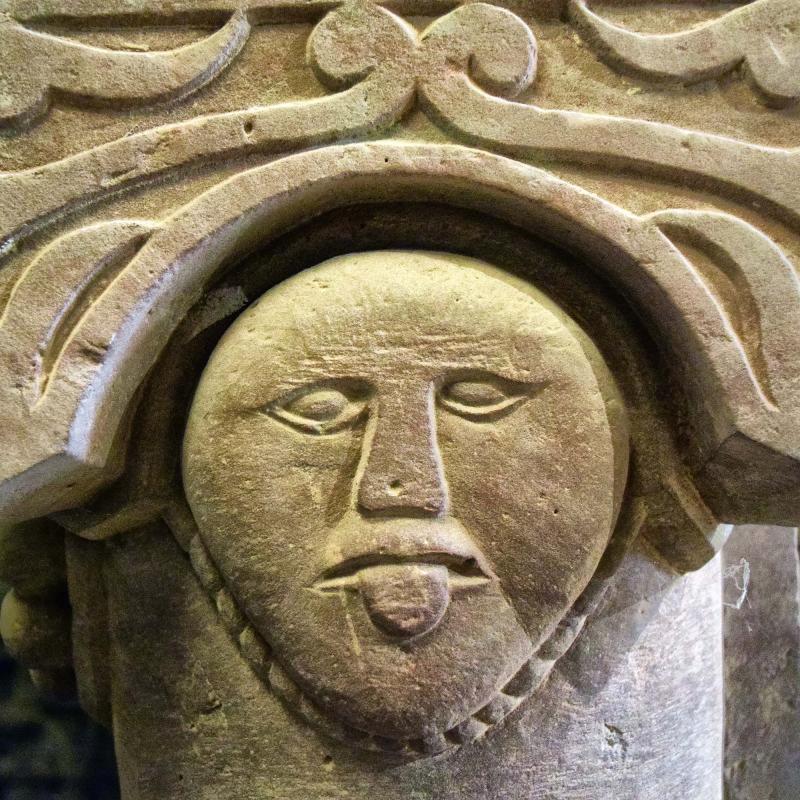 13.10.2018 Detall capitell cripta  Cellers -  Ramon Sunyer