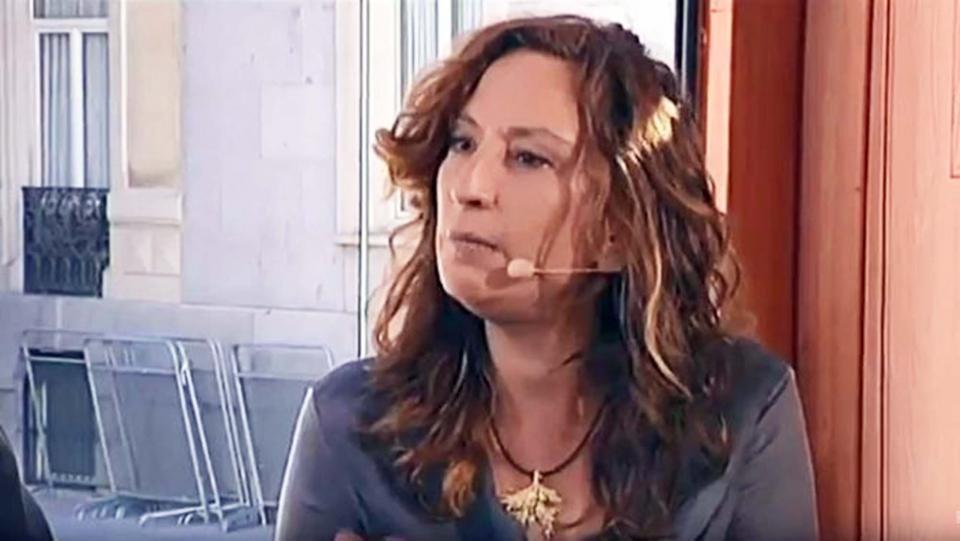 Montse Oliva, participant en una tertúlia d'Els matins el 2014 -