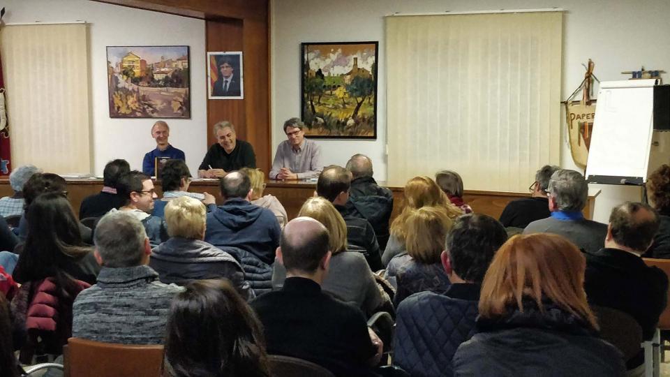 Reeixida presentació del llibre 'Amb samfaina o sense' a Torà - Torà