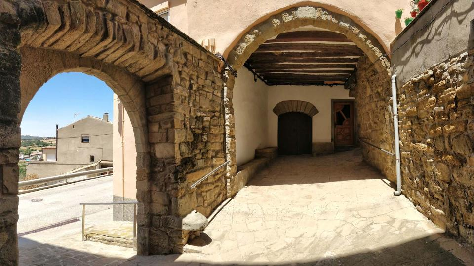 Portail de  Cal Millàs - Auteur Ramon Sunyer (2019)