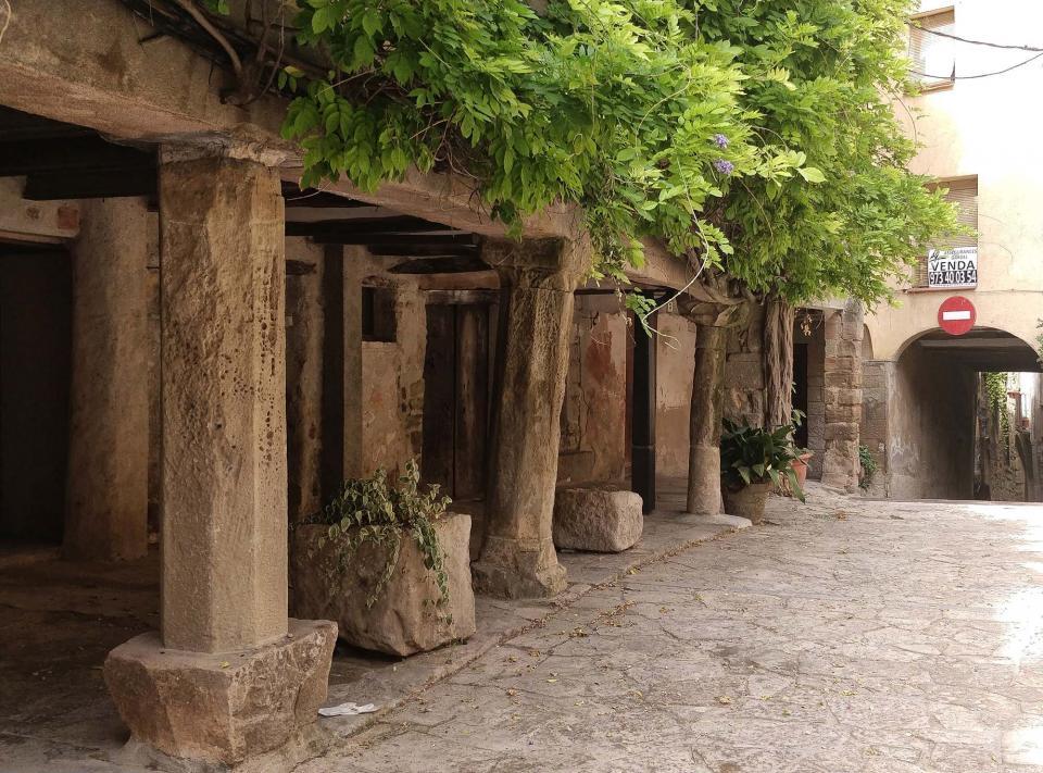 07.08.2019 Porxos de la plaça de l'Església  Torà -  Ramon Sunyer