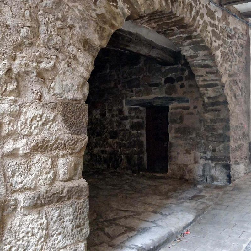 07.08.2019 Portal de cal Labró  Torà -  Ramon Sunyer