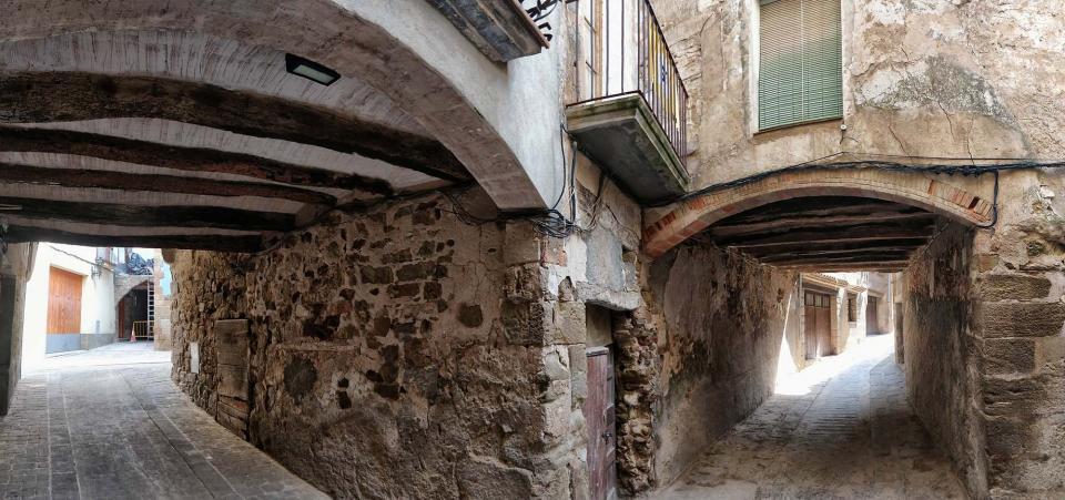 07.08.2019 Portals del carrer Baix  Torà -  Ramon Sunyer
