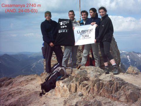 31.05.2003 Excursionistes de Torà pugen al Casamanya en suport als detinguts  Andorra -  Xavier Sunyer