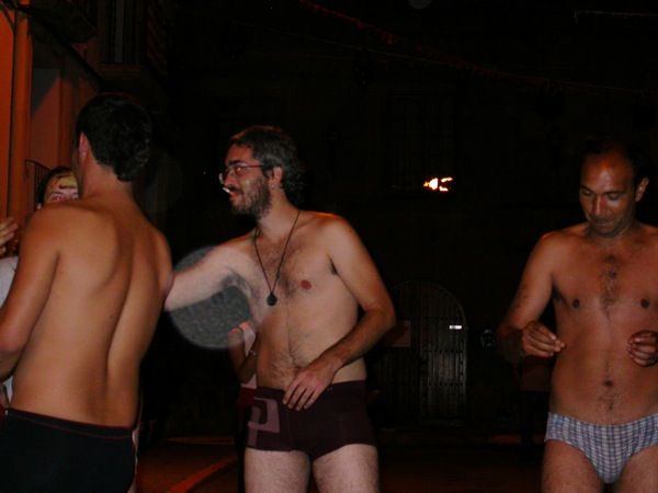 02.09.2005 Potser demana desodorant  Torà -  Ramon Sunyer