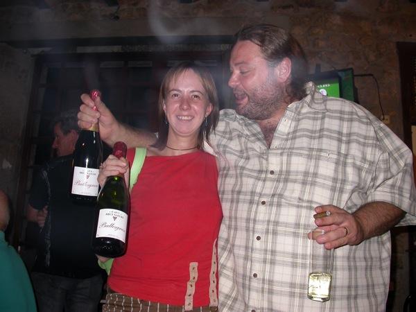 03.09.2005 L'Helena Cunyé i l'í'scar Romero celebrant el premi de Quarts de finals  Torà -  Ramon Sunyer